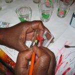 Artisanat Réunion : peinture sur verre chez Guylène
